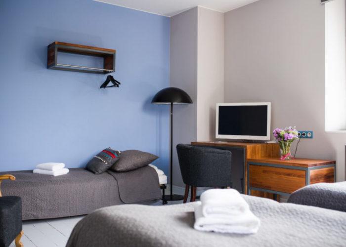 Niebieski-3-800x600